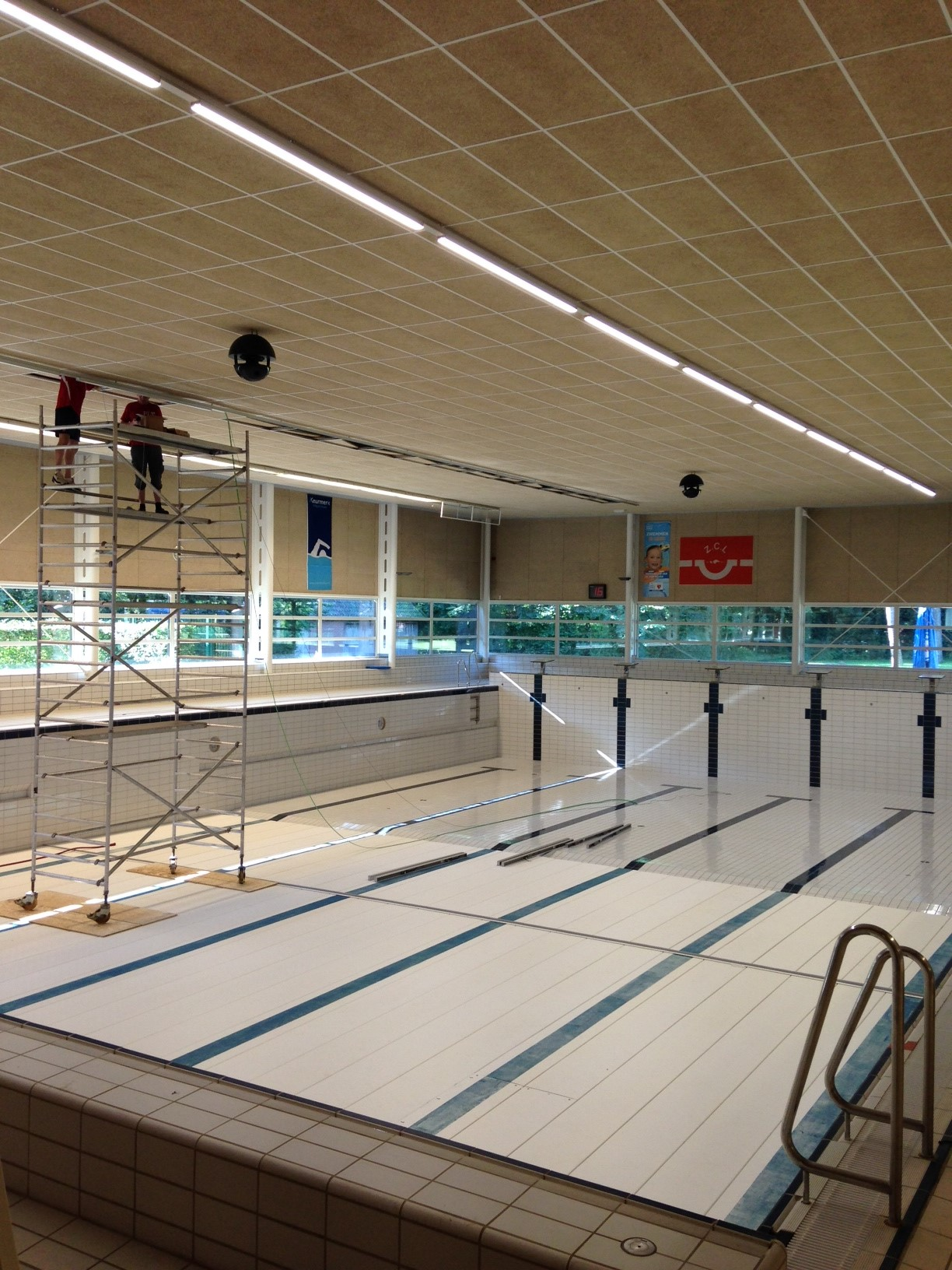 LED-verlichting zwembad Losser